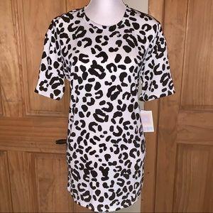 NWT L LLR B&W Snow Leopard Print Hudson Tee
